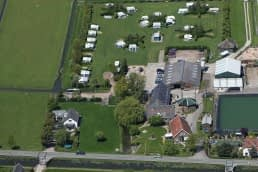Luchtfoto van Hoeve Bouwllust